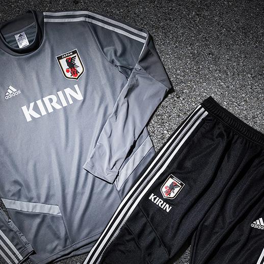 サッカー日本代表オフィシャルトレーニングウェア発売!